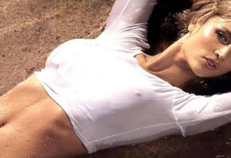 Η Τζοάνα ..γυμνή!